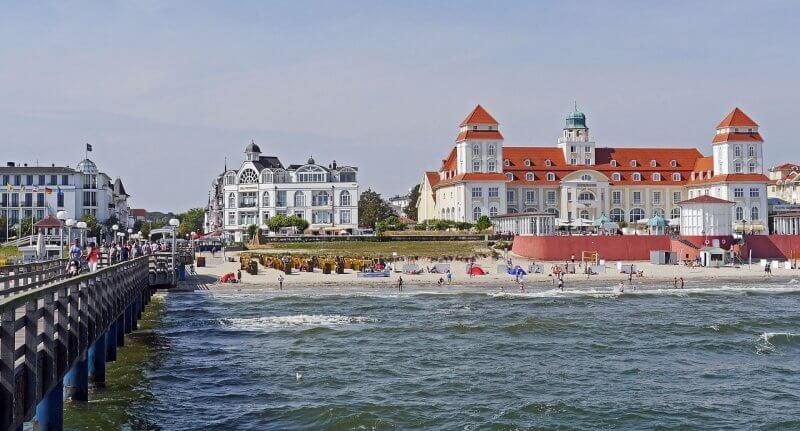 Пляж города Бинц