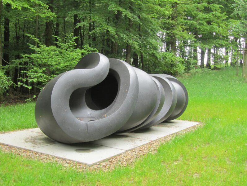 Скульптура в парке Вальдфриден
