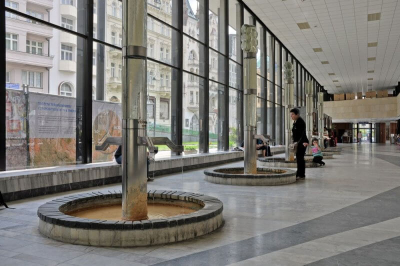 Гейзерная колоннада