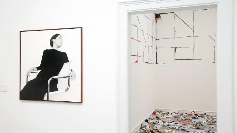 Картина в музее современного искусства Фридера Бурды
