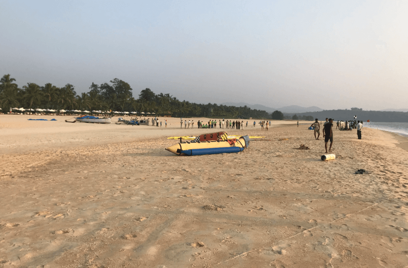 Лодки на пляже Кавелоссим