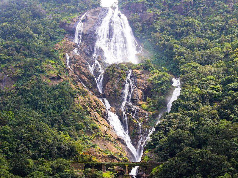 Водопад Духсхагар