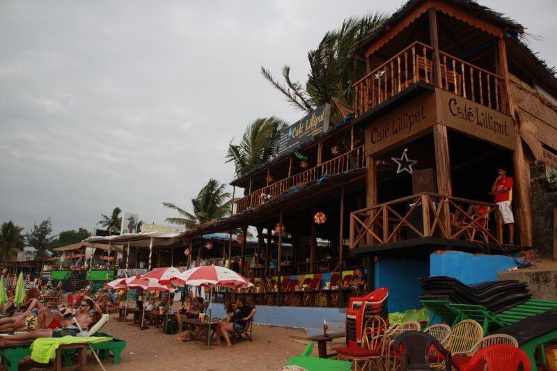 Кафе на пляже Анджуна