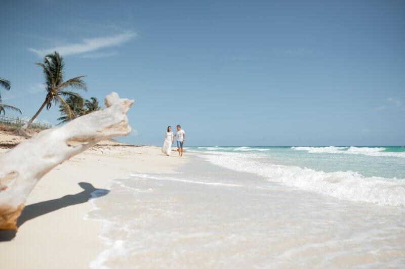 Пара на пляже Макао
