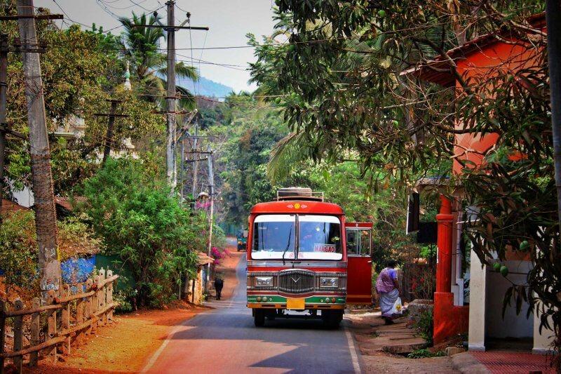 Автобус в Кандолим