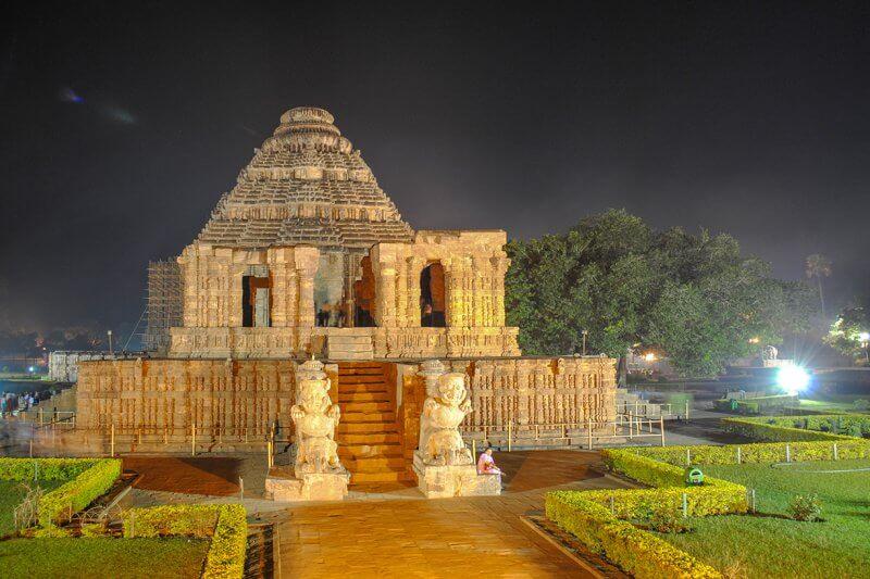 Храм Солнца в Конараке вечером