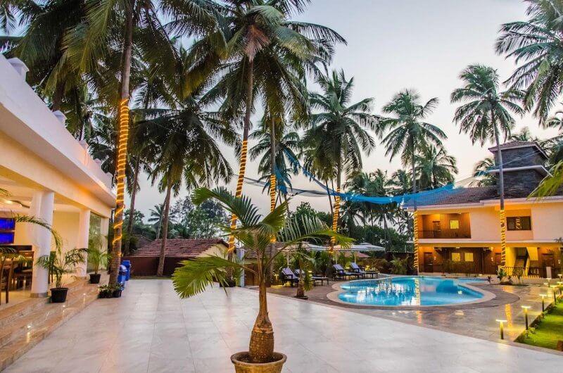 Вид на отель в Северном Гоа