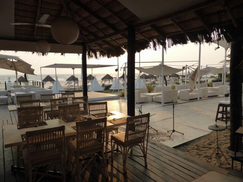 Кафе на пляже Ашвем