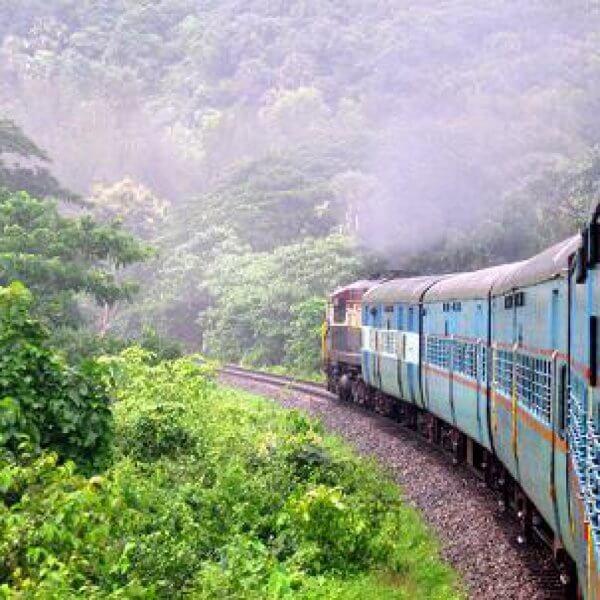 Поезд в Варкале