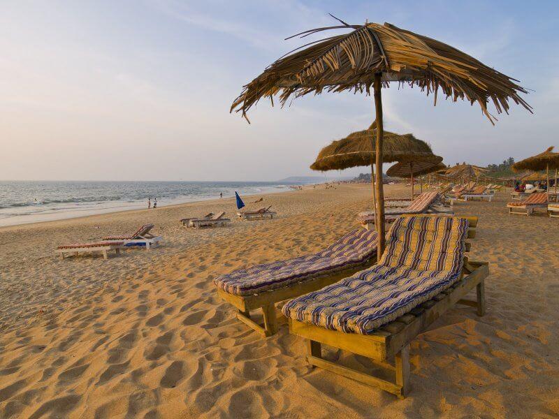 Песок на пляже Варка