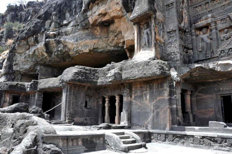 Вход в пещеры Аджанты