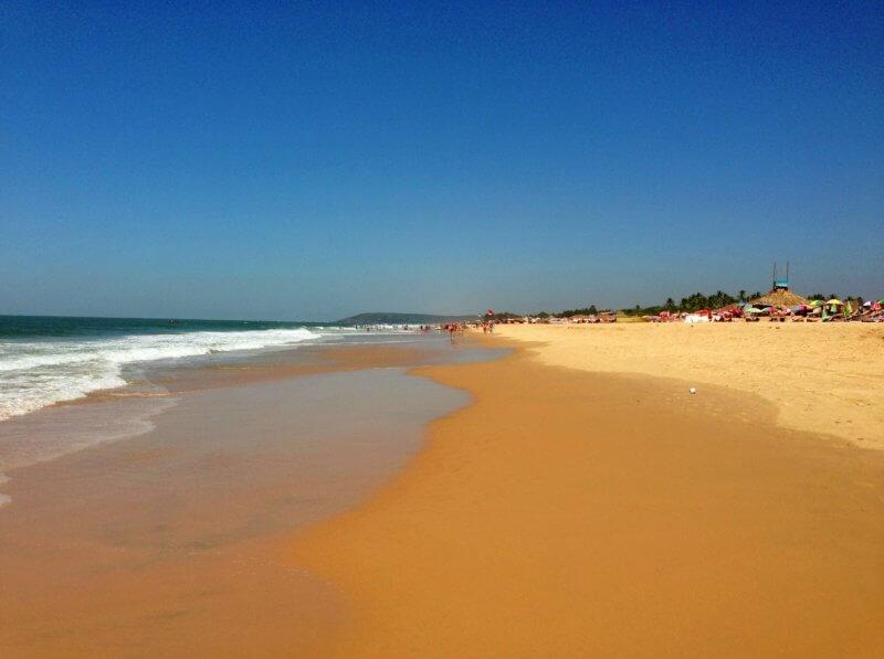 Песок на пляже в Кандолиме