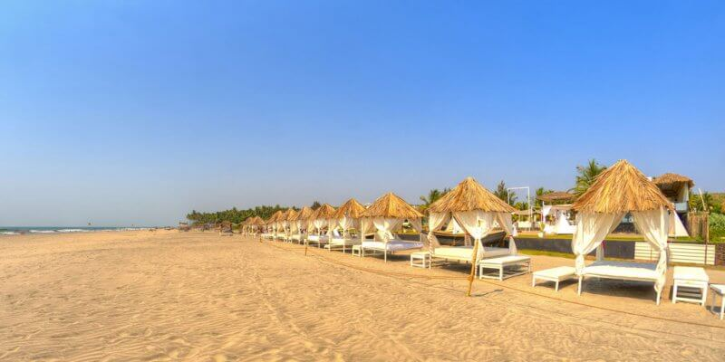 Место для отдыха на пляже Морджим