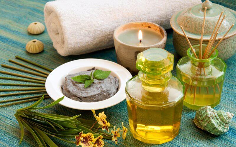 Массаж с ароматическими маслами