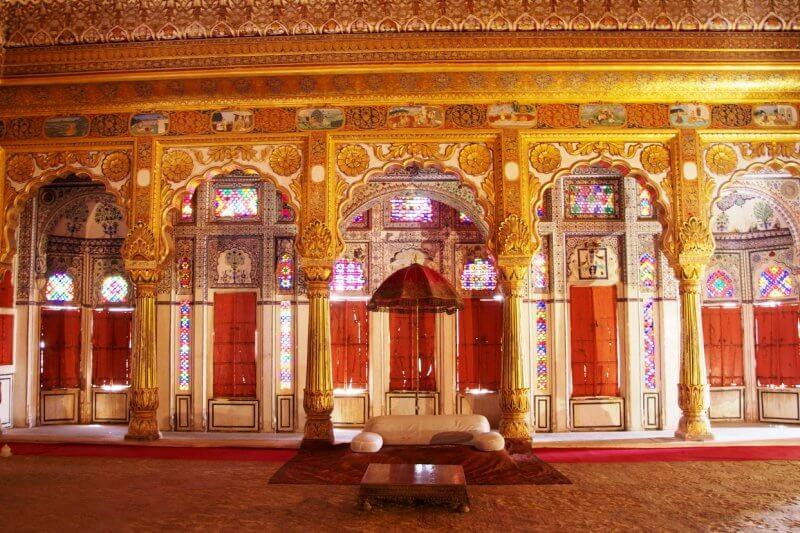 Холл дворца Ветров в Джайпуре