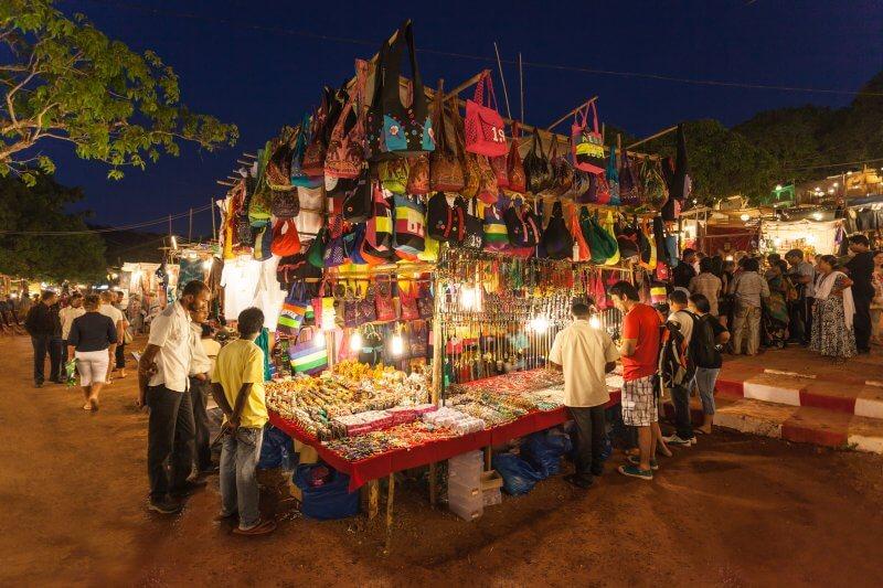 Ночной рынок в Кандолиме