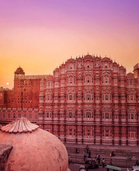 Дворец Ветров ранним утром в Джайпуре