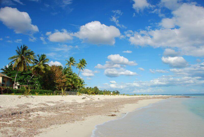Пляж Хуан-Долио