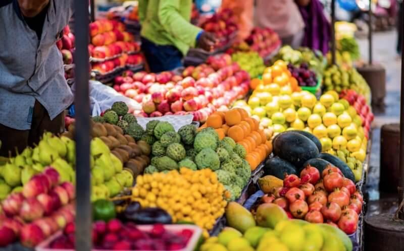 Фрукты на рынке Индии