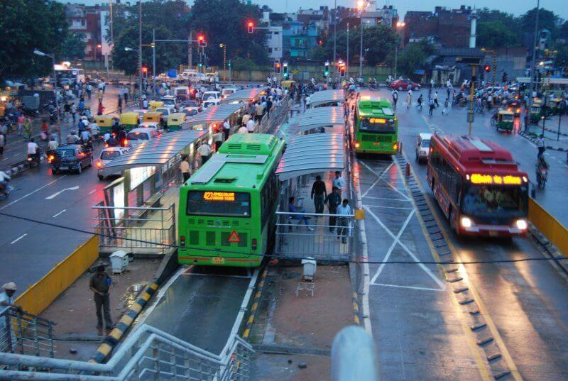 Автобусная станция в Дели