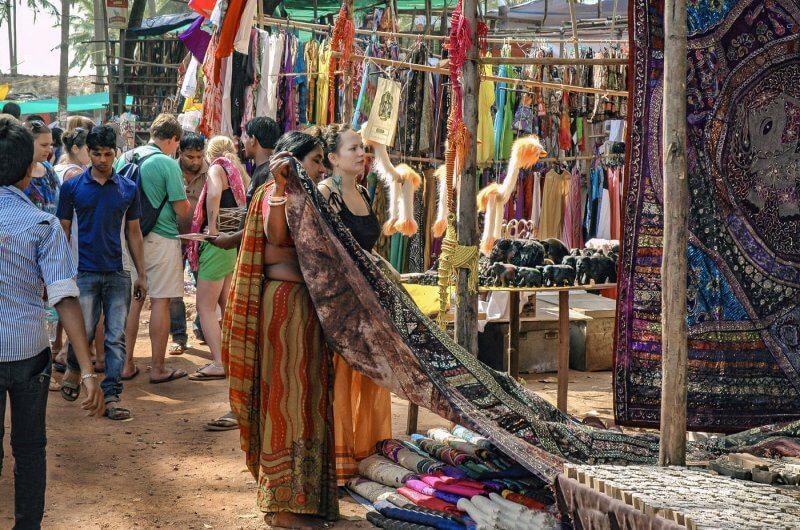 Блошиный рынок в Аджуне
