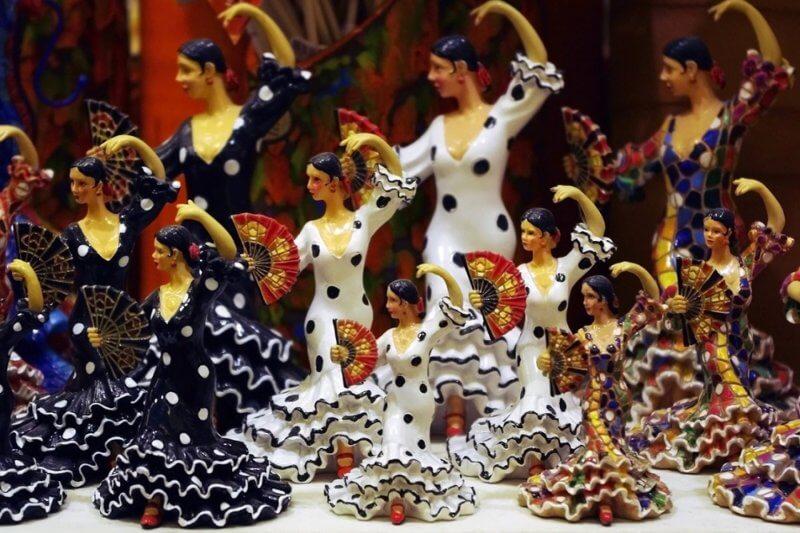 Сувенирные статуэтки в Барселоне