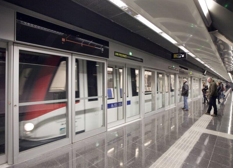 Платформа метрополитена в Барселоне