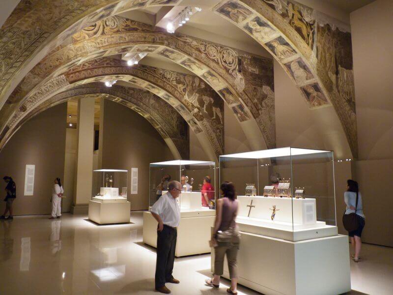 Экспозиция в Национальном музее искусства Каталонии