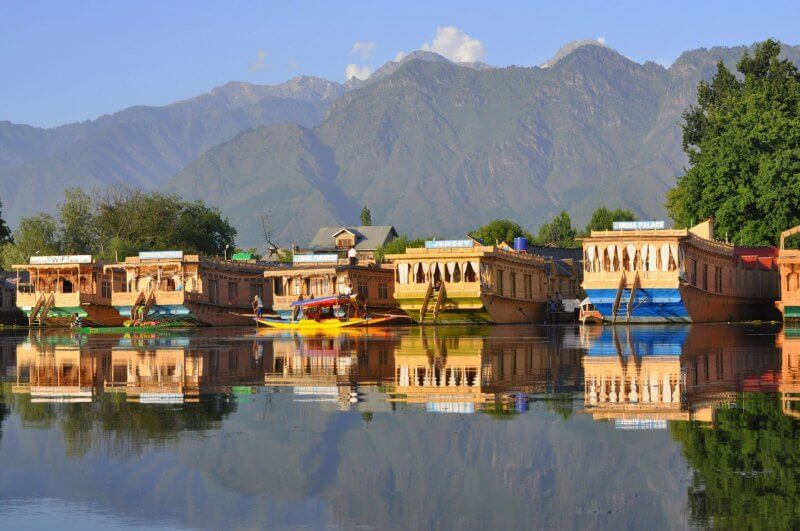 Дома на воде в штате Джамму и Кашмир