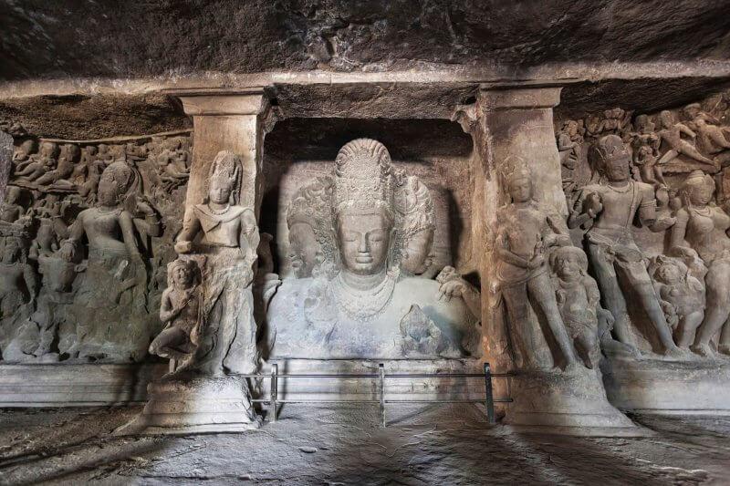 Слоновьи пещеры внутри