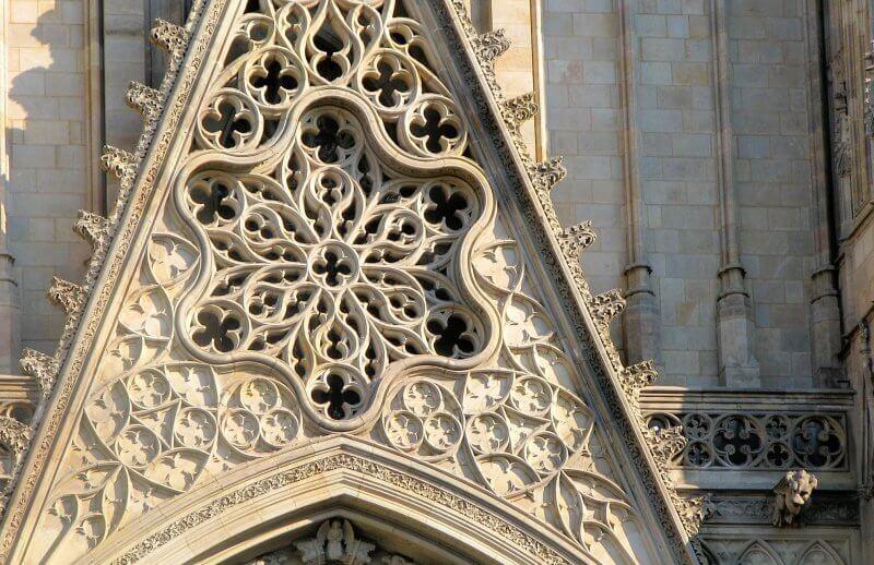 Узор на фасаде Кафедрального собора
