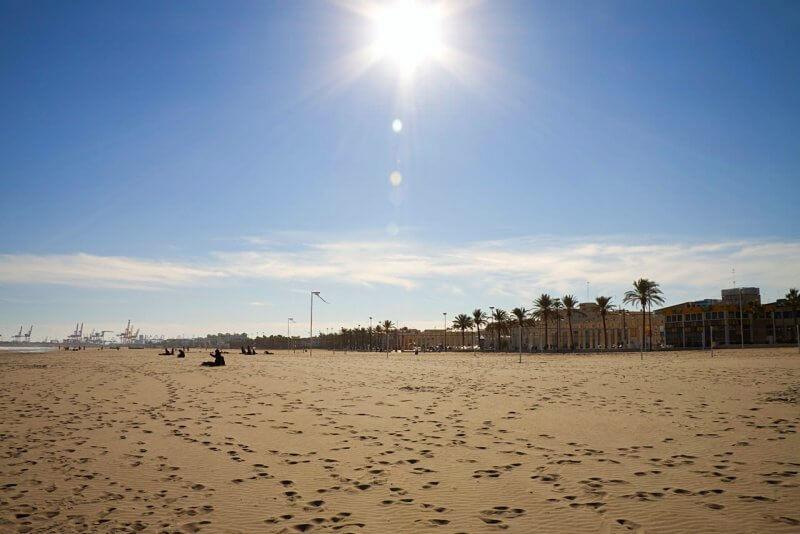 Вид на пляж Валенсии