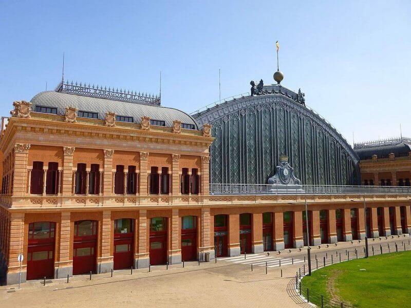Железнодорожный вокзал в Мадриде