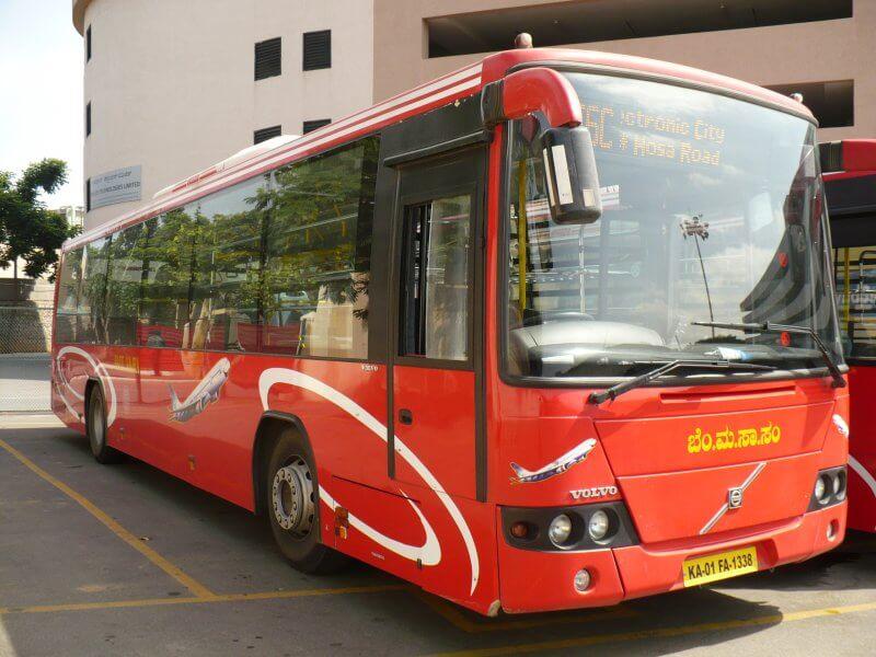 Автобус RedBus