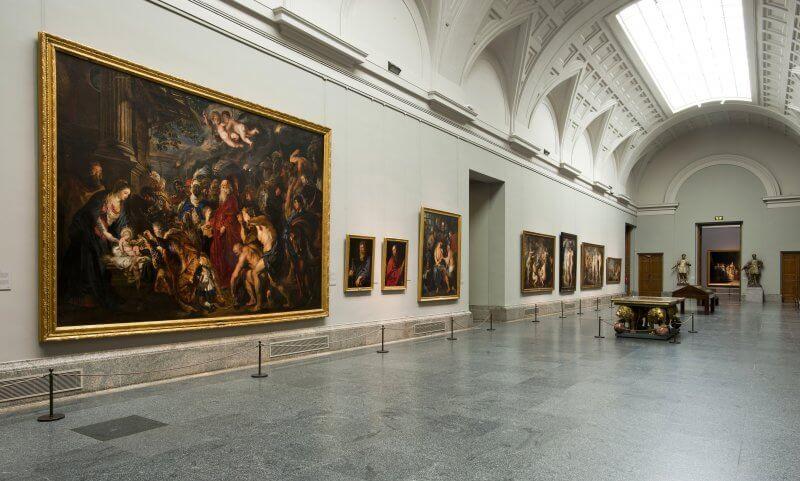 Зал живописи в музее Прадо
