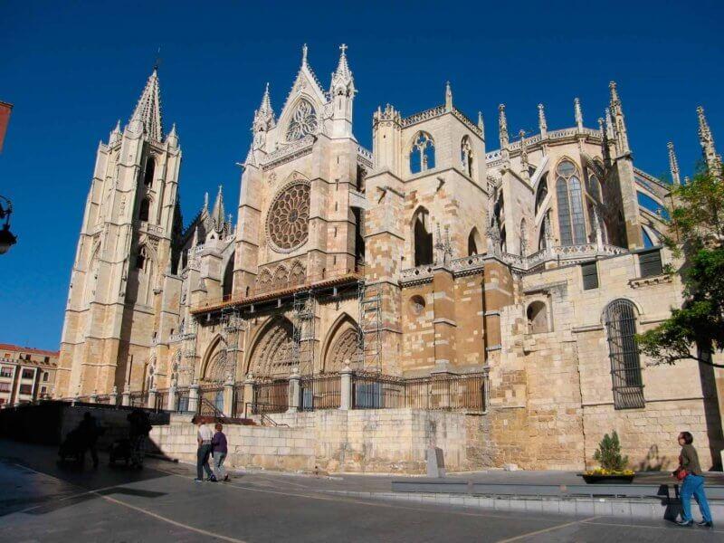 Кафедральный собор в городе Леон