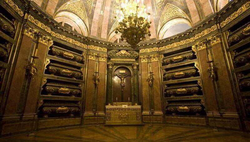 Королевская усыпальница или Пантеон Королей