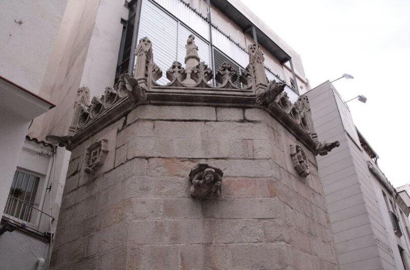 Готический фонтан
