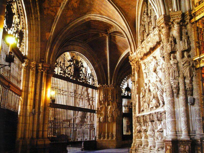 Вход в Кафедральный собор Бургоса