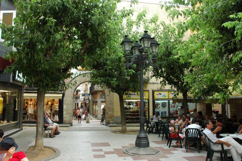 Площадь Испании и улица Динтре