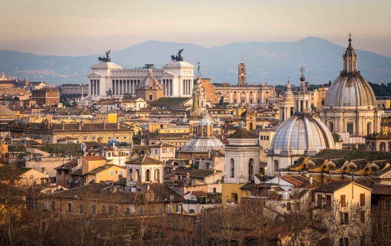 Вид на весенний Рим