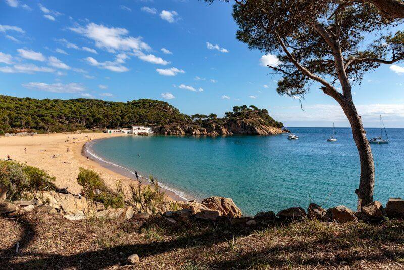 Замковый пляж в Паламосе (Platja de Castell)