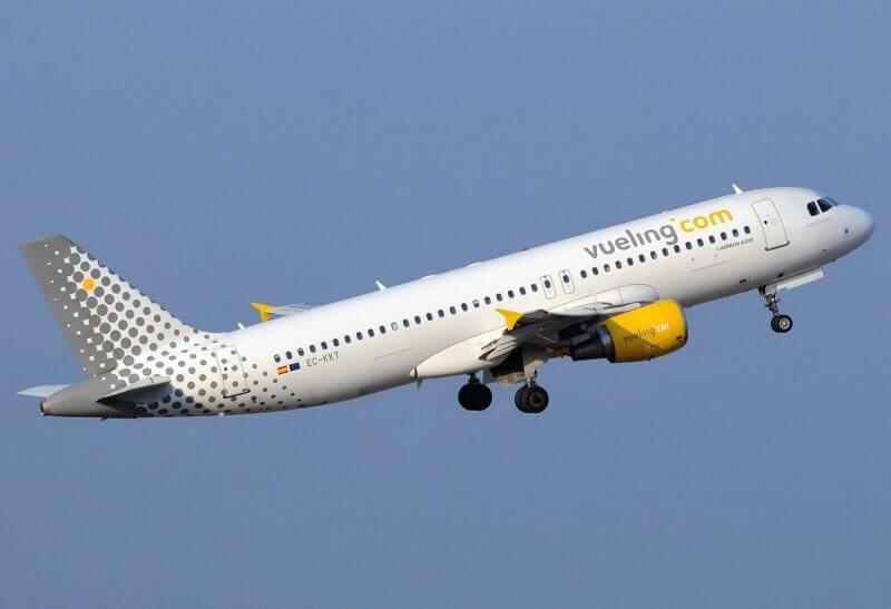 Самолет Vueling