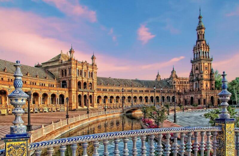 Вид на площадь Испании