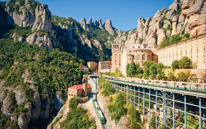 Гора Монсеррат в Каталонии