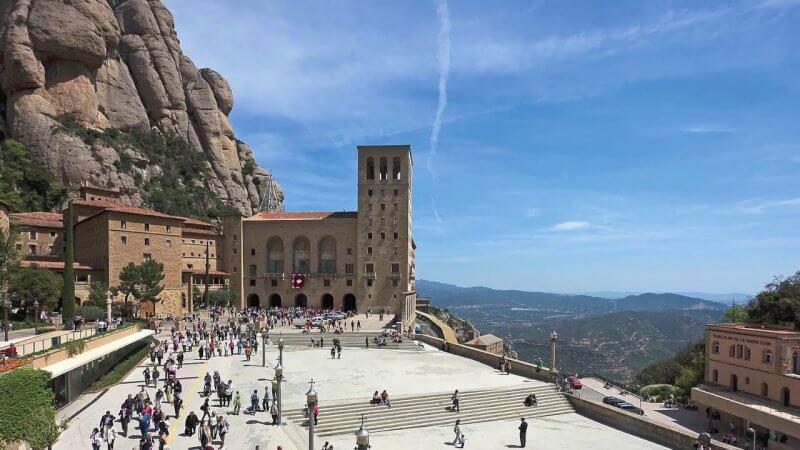 Монастырский комплекс в Каталонии
