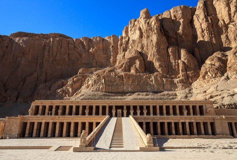 Вид на Храм Хатшепсут
