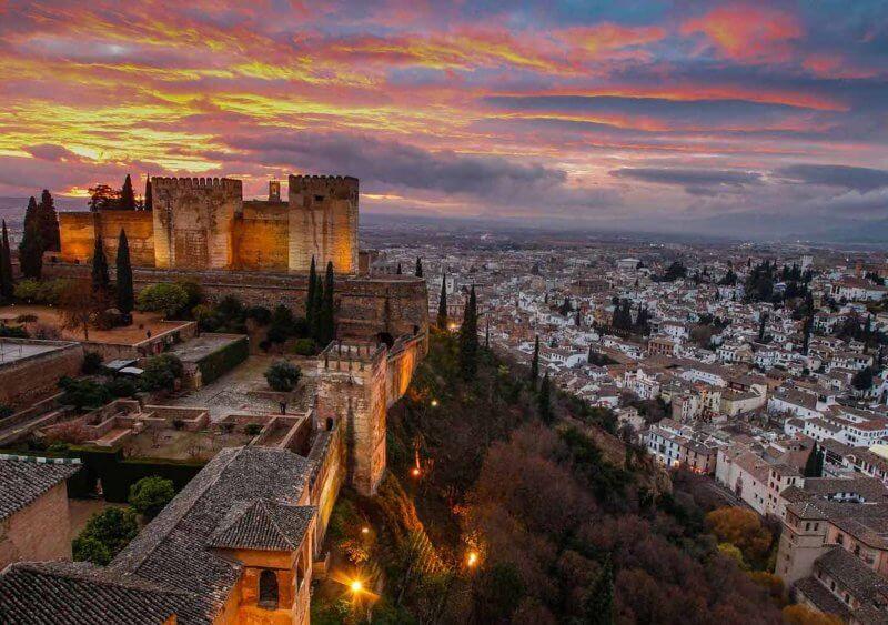 Вид сверху на Гранаду
