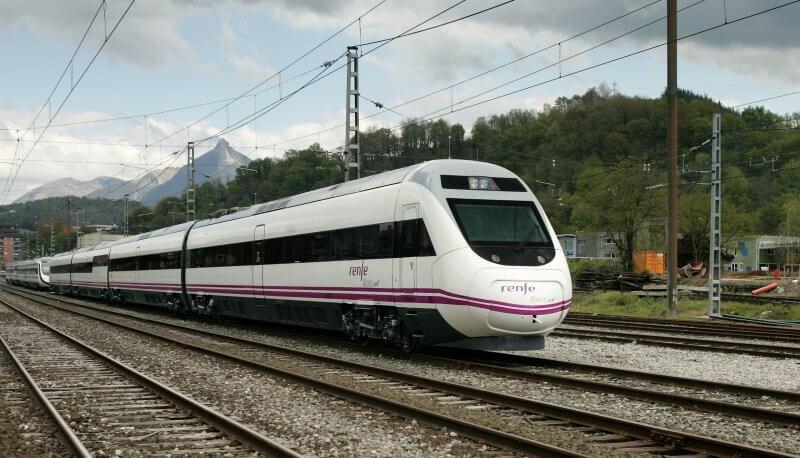 Поезд в Сантьяго-де-Компостела