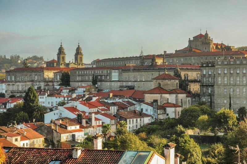 Вид на Сантьяго-де-Компостела
